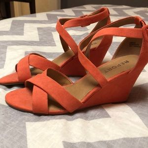 NWOT- Report Wedge Heel Strappy Sandal in Coral